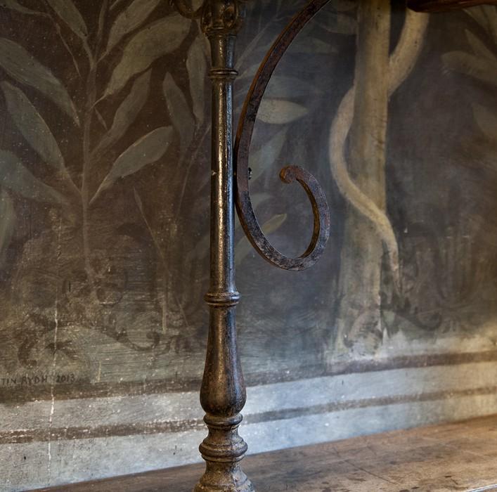 Bistrobord – inredning på Det fransk testamentet, inredningsbutik i Stockholm