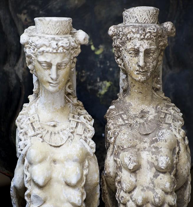 Statyer på Det franska testamentet, inredningsbutik i Stockholm