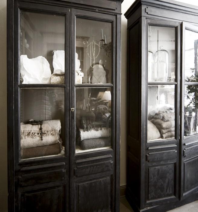 Bokskåp på Det franska testamentet, inredningsbutik i Stockholm
