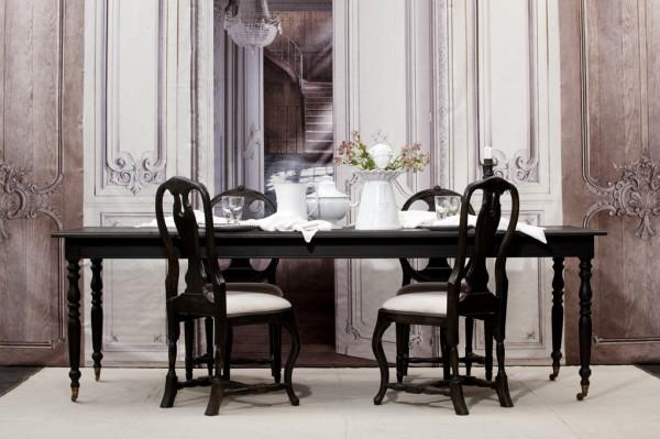 Nyproducerat matsals bord