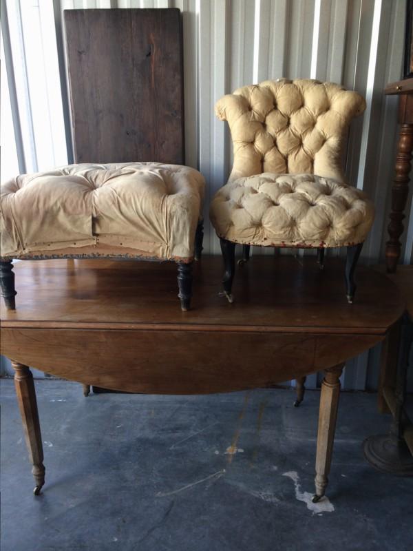 ovaltbord med klaffar